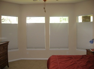 Top-down/bottom-up Duette Honeycomb Shades